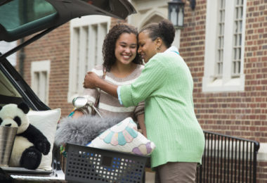 student leaving home for college