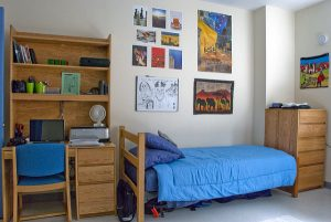 4 Things to Do to Keep Your College Dorm Room Clean