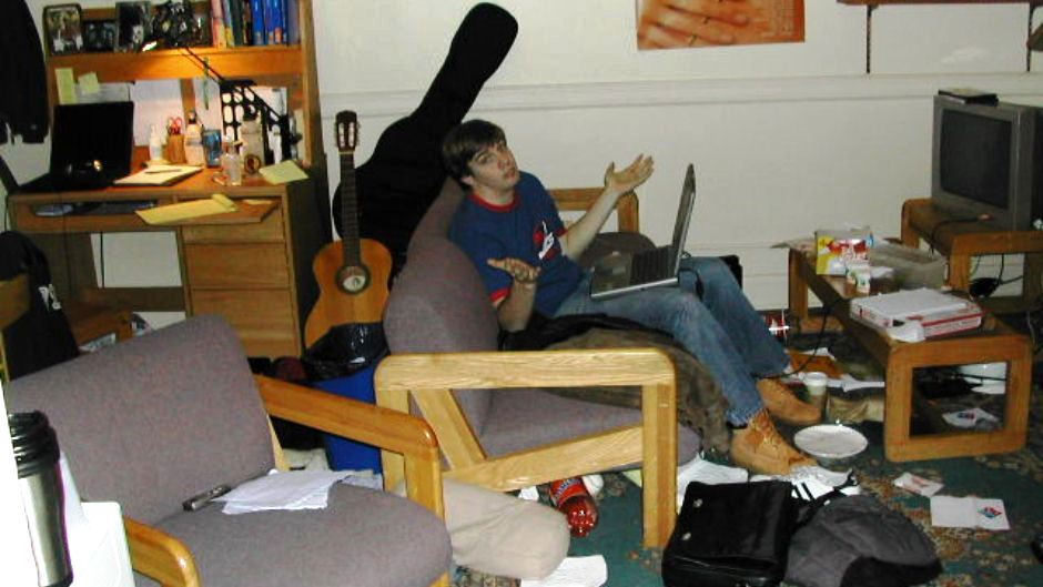 what to do when your college roommate is messy